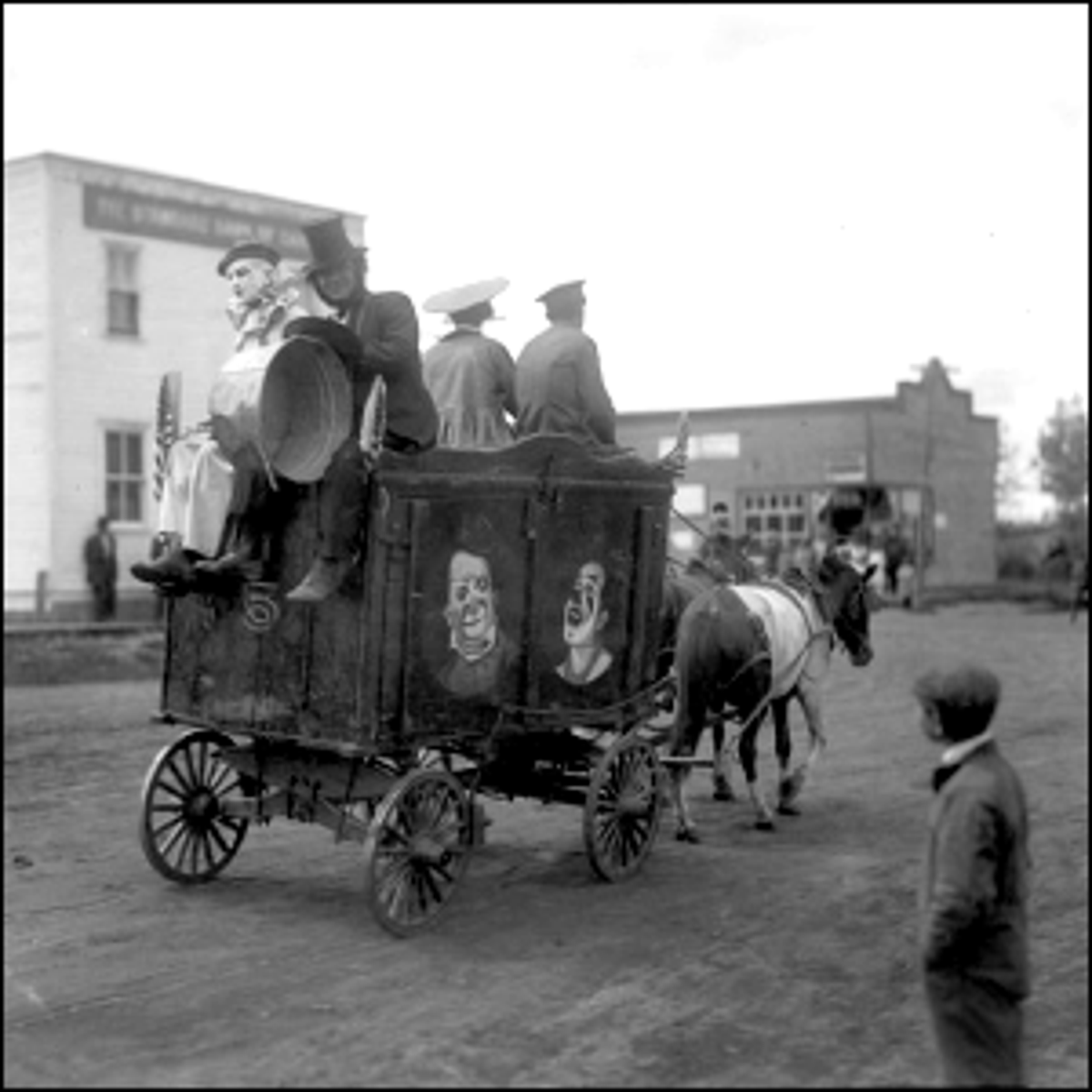 Photo of a traveling circus arriving in Smoky Lake, Alberta.