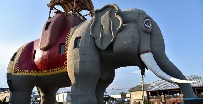 8 of the Strangest Roadside Attractions in the United States